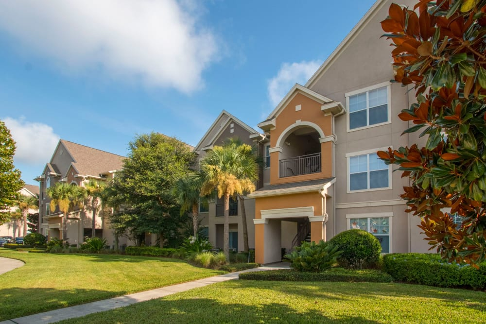 Exterior view of Landings at Four Corners in Davenport, Florida