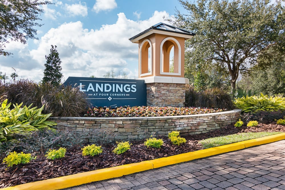 Front entrance to Landings at Four Corners in Davenport, Florida