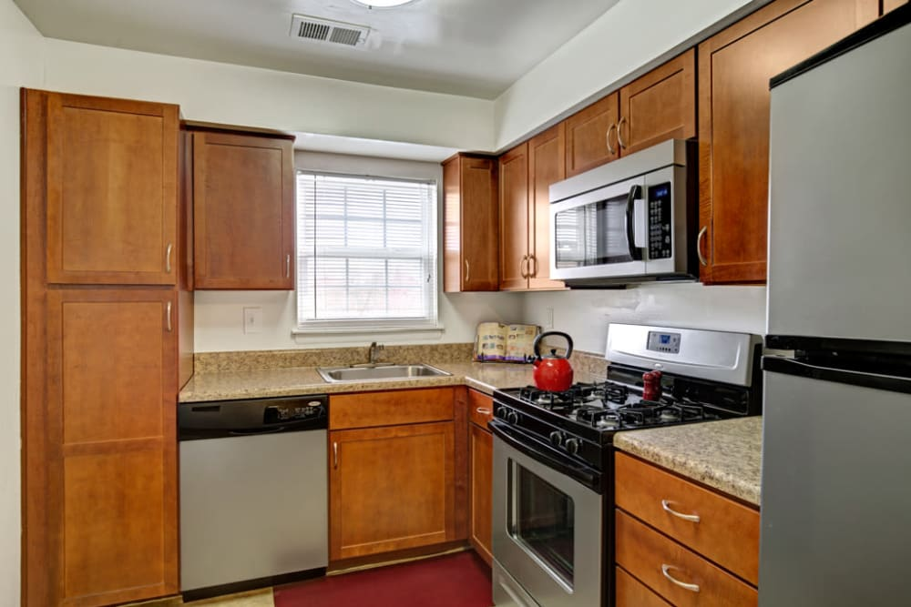 Bright Middlebrooke Apartments & Townhomes kitchen in Westminster, Maryland