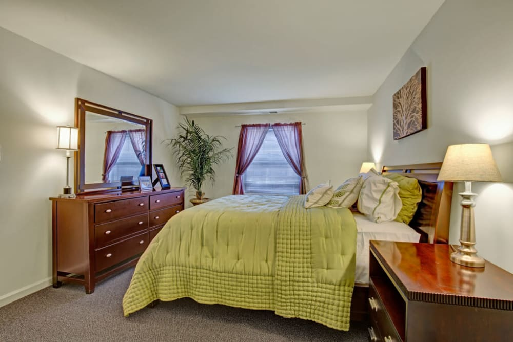 Middlebrooke Apartments & Townhomes master bedroom in Westminster, Maryland