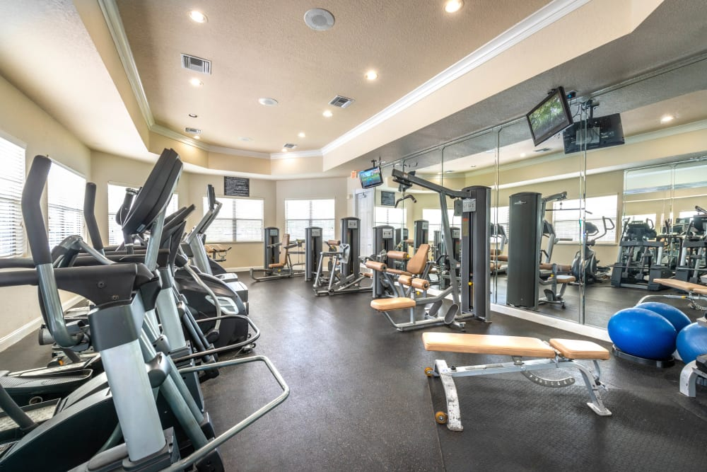 Well-equipped onsite fitness center at Mirador & Stovall at River City in Jacksonville, Florida