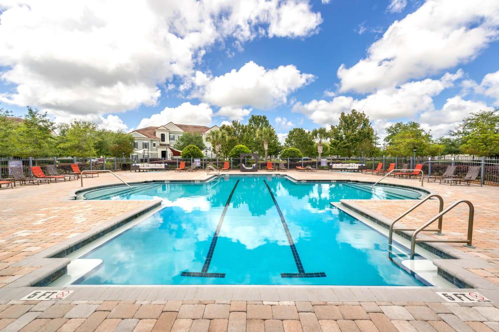 Beautiful resort-style swimming pool at Mirador & Stovall at River City in Jacksonville, Florida
