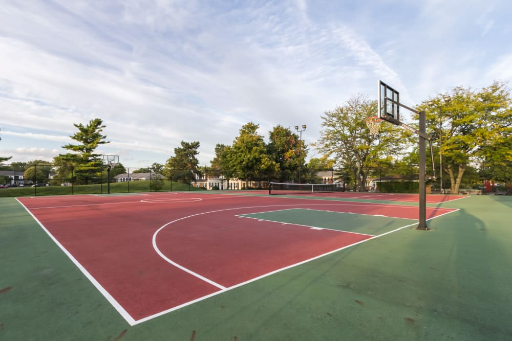 Basketball court at Governours Square in Columbus, Ohio