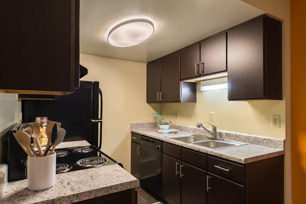 Bright kitchen at Governours Square in Columbus, Ohio