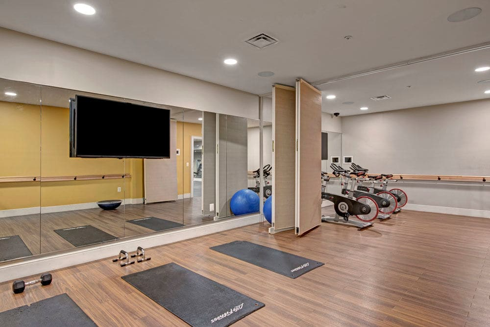 Fully equipped fitness center at Dulles Greene in Herndon, Virginia