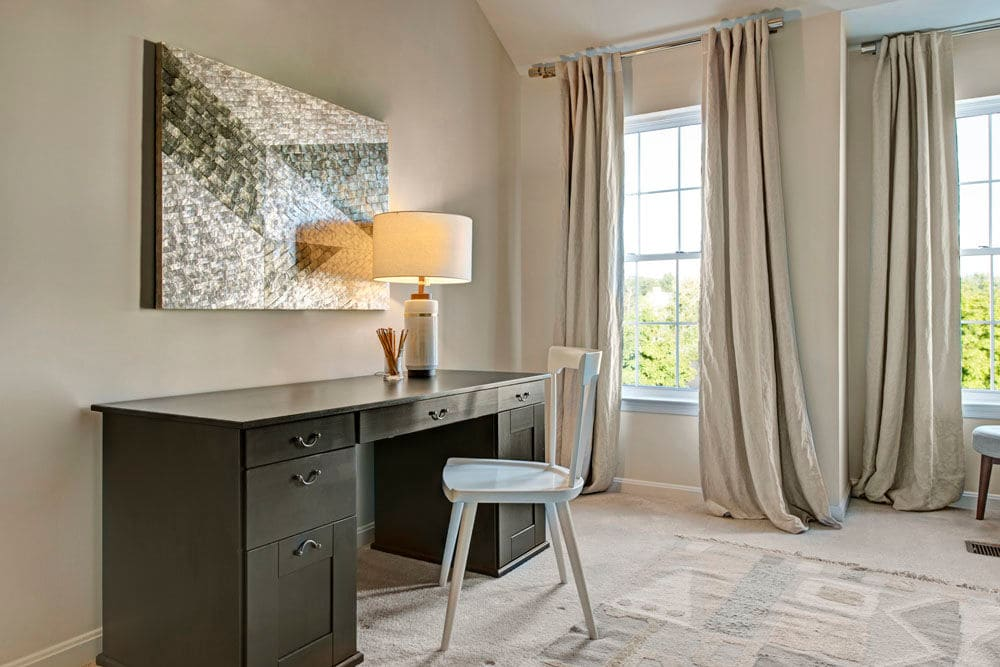 In-home office area at Dulles Greene in Herndon, Virginia