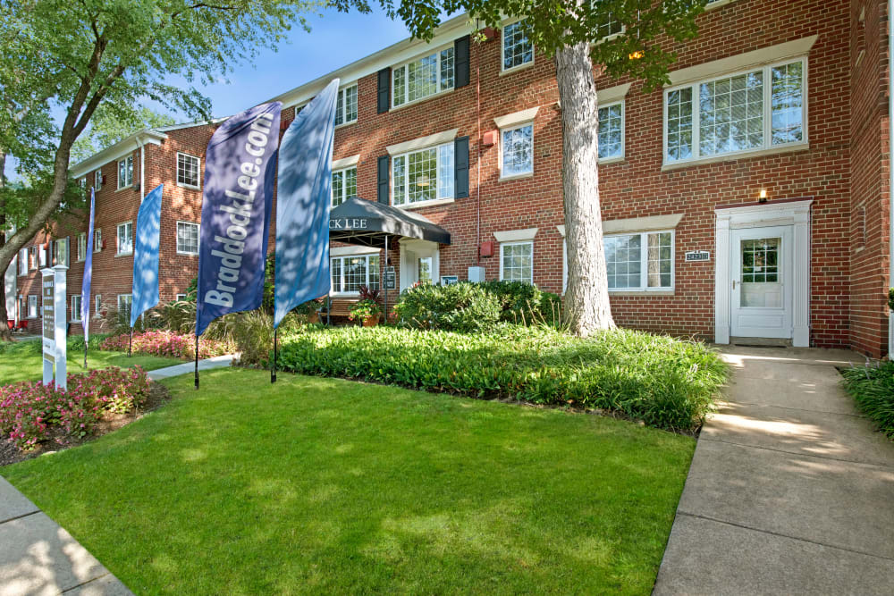 Exterior facade of the leasing office at Braddock Lee Apartments in Alexandria, Virginia