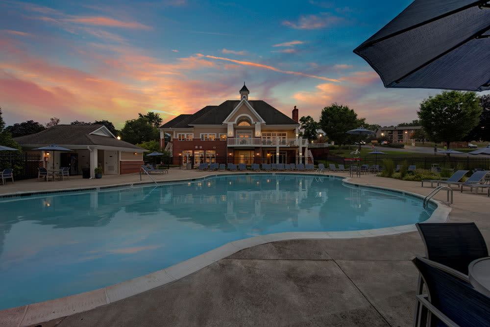 Luxurious community pool at Howard Crossing in Ellicott City, Maryland features curved lines
