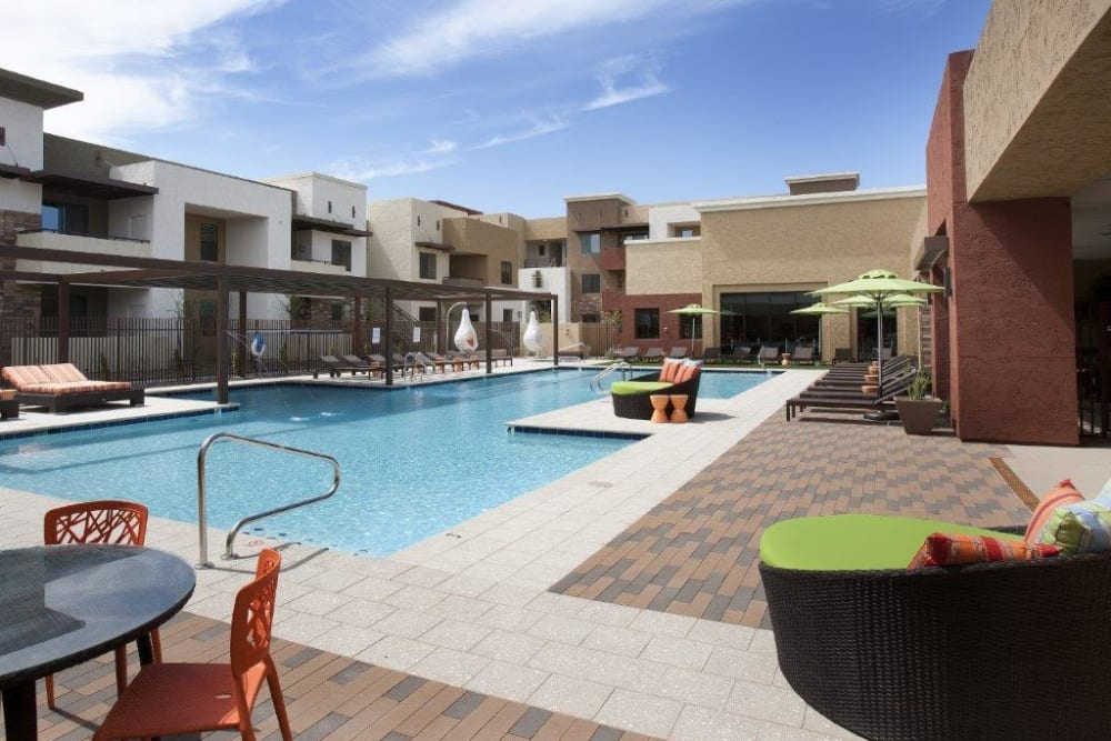 Resort-style swimming pool at Vive in Chandler, Arizona
