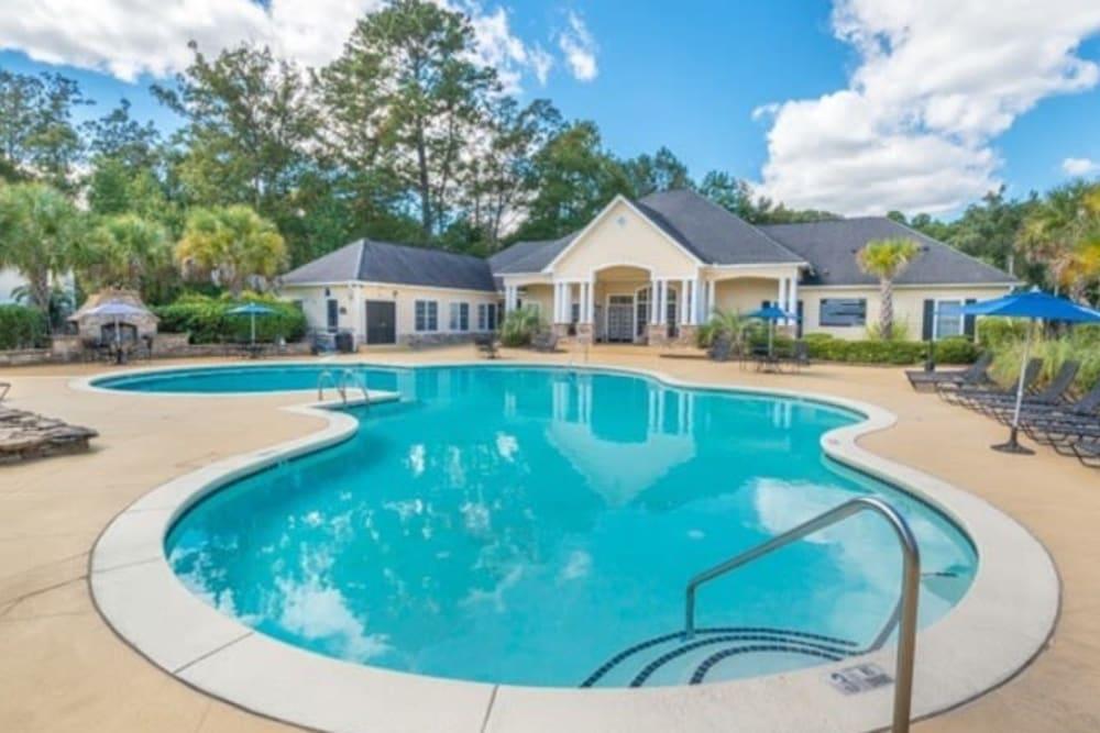 Luxurious swimming pool at Walden at Chatham Center in Savannah, Georgia