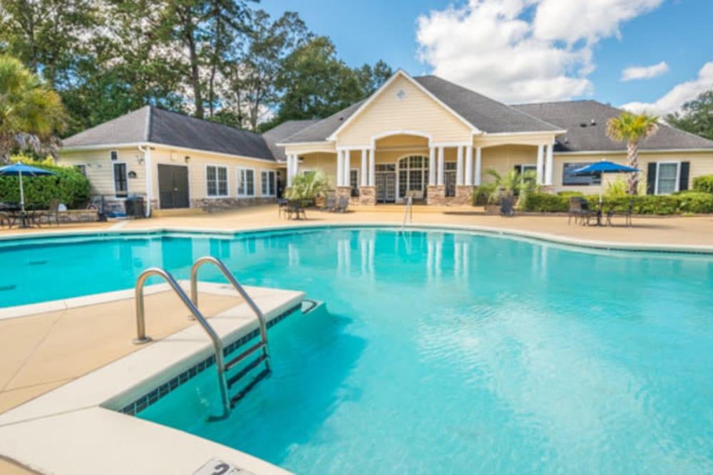 Resort-style swimming pool area at Walden at Chatham Center in Savannah, Georgia