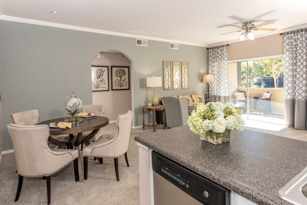 Open-concept floor plan at Cross Pointe Apartment Homes in Antioch, California