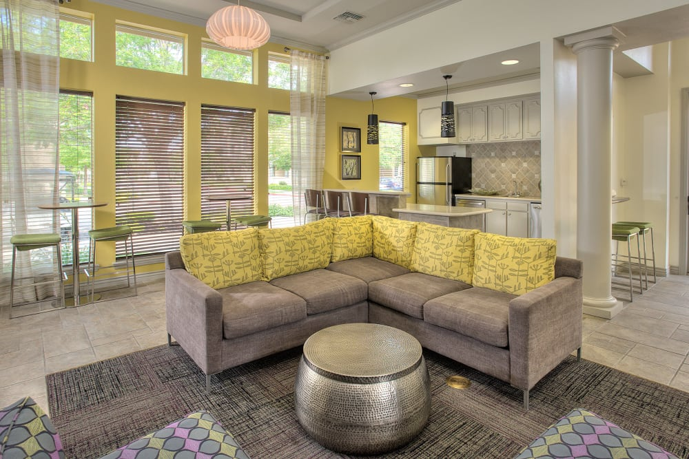 Clubhouse lounge at Cross Pointe Apartment Homes in Antioch, California