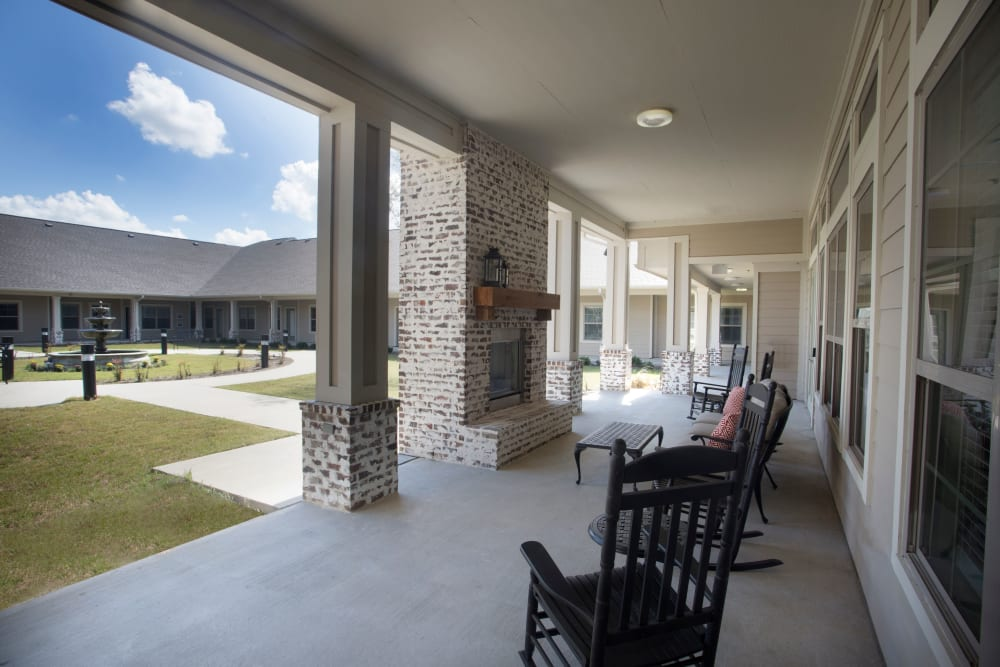 View of courtyard and outdoor living room at The Claiborne at Thibodaux in Thibodaux, Louisiana