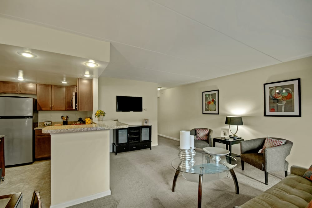Dining area at Racquet Club Apartments and Townhomes in Levittown, Pennsylvania