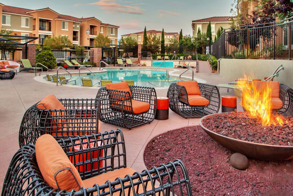Swimming Pool & Outdoor Fire Pit at Miro at the Parc in Henderson, Nevada