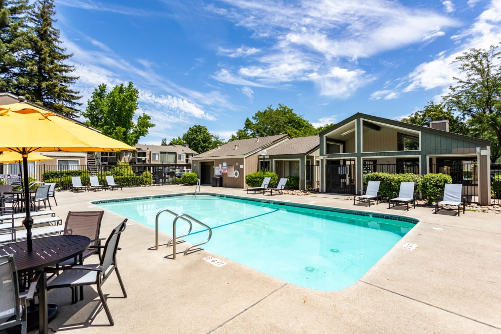 Pool at Waterfield Square Apartment Homes in Stockton