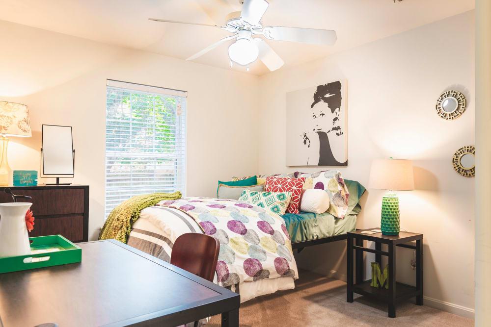 Bedroom at Sunchase at James Madison in Harrisonburg, Virginia