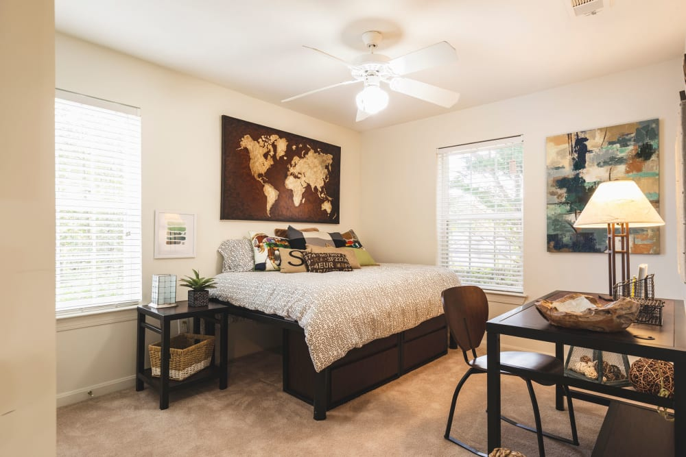 Guest bedroom at Sunchase at James Madison in Harrisonburg, Virginia