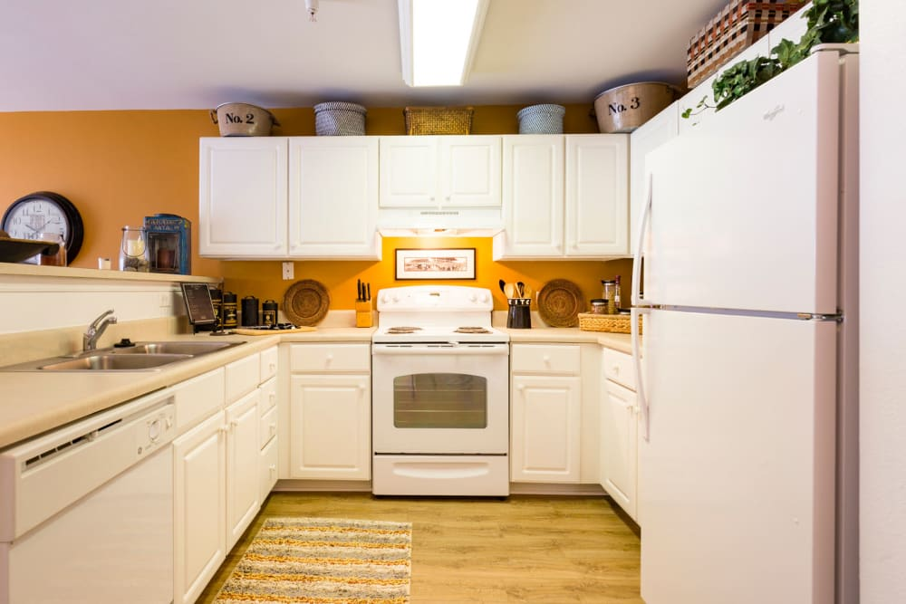 Spacious kitchen at Sunchase at Longwood in Farmville, Virginia