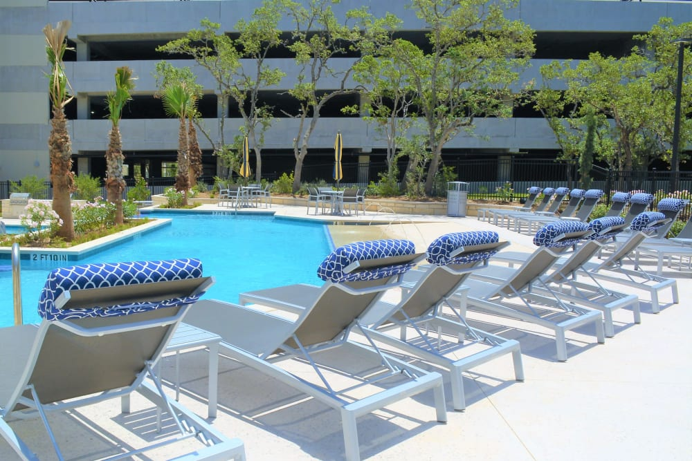 The Abbey at Sonterra in San Antonio, Texas offers plenty of poolside seating