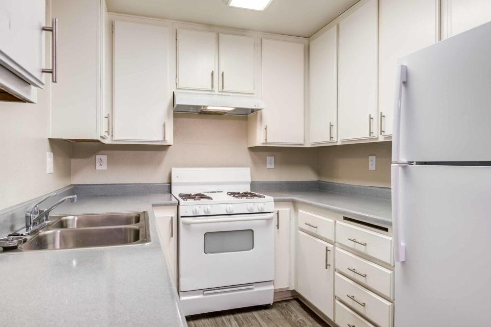 Kitchen at Sienna Heights Apartment Homes