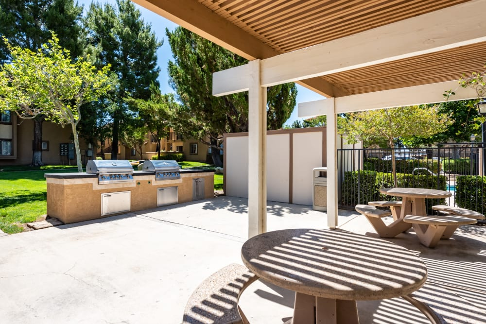 BBQ area at Granada Villas Apartment Homes in Lancaster, California