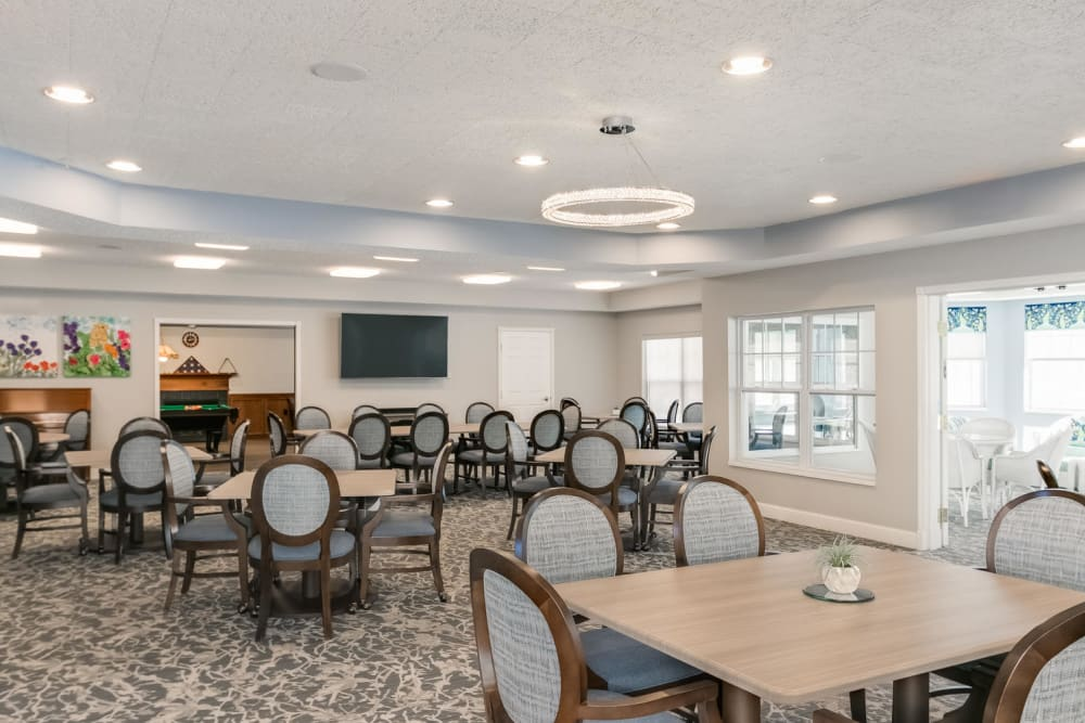 Resident dining tables at Applewood Pointe of Roseville in Roseville, Minnesota.