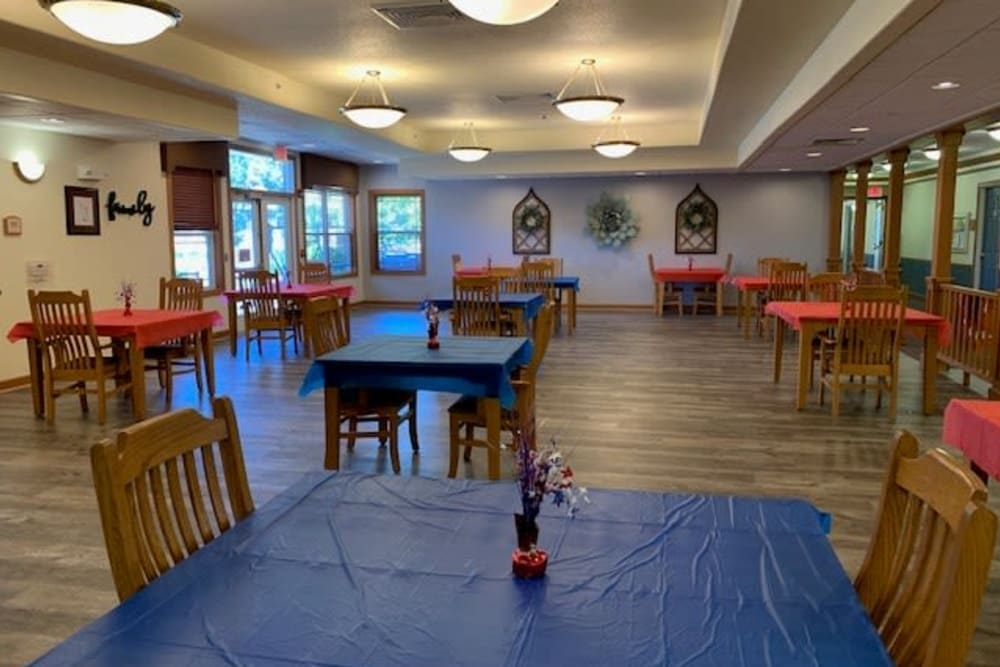Spacious resident dining room at Prairie Hills in Clinton, Iowa.