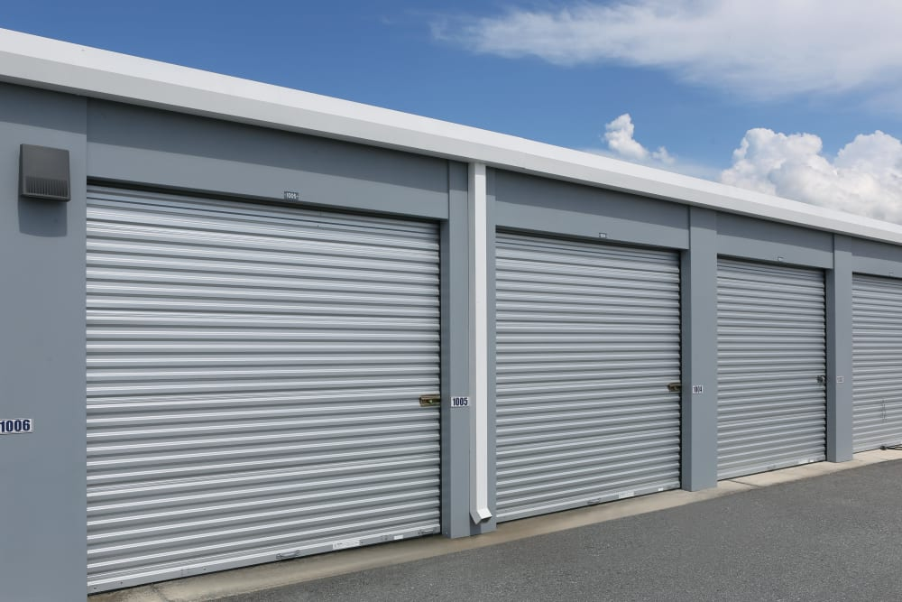 Large exterior units at Midgard Self Storage