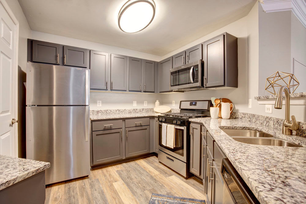 Kitchen with modern ammenities at Dulles Greene in Herndon, Virginia