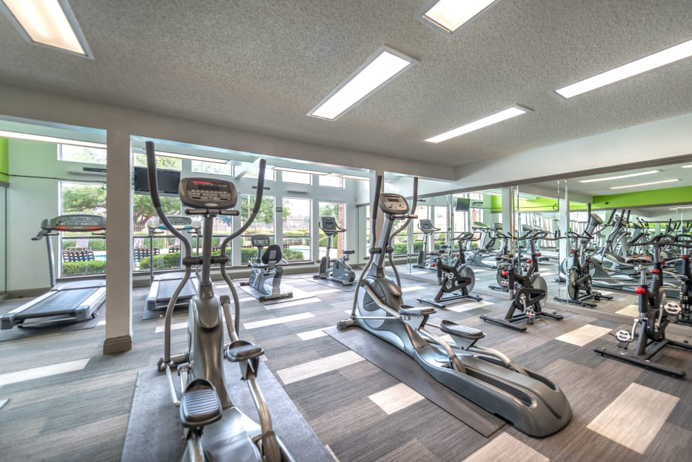 Fitness equipment at 8500 Harwood Apartment Homes in North Richland Hills, Texas
