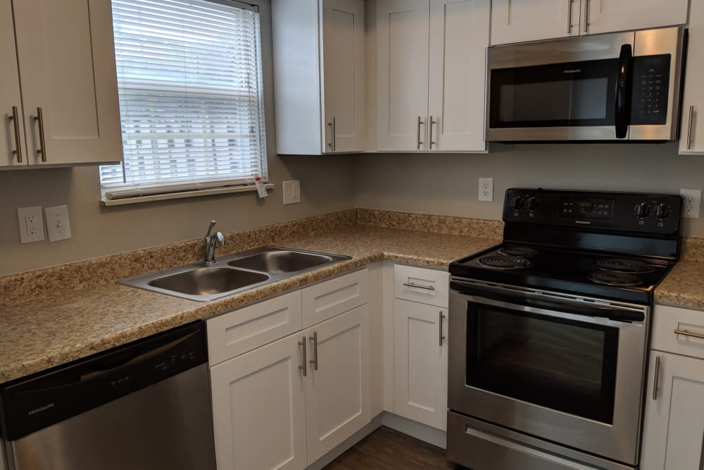 Model kitchen with stainless steel appliances at Worthington Meadows in Columbus, Ohio