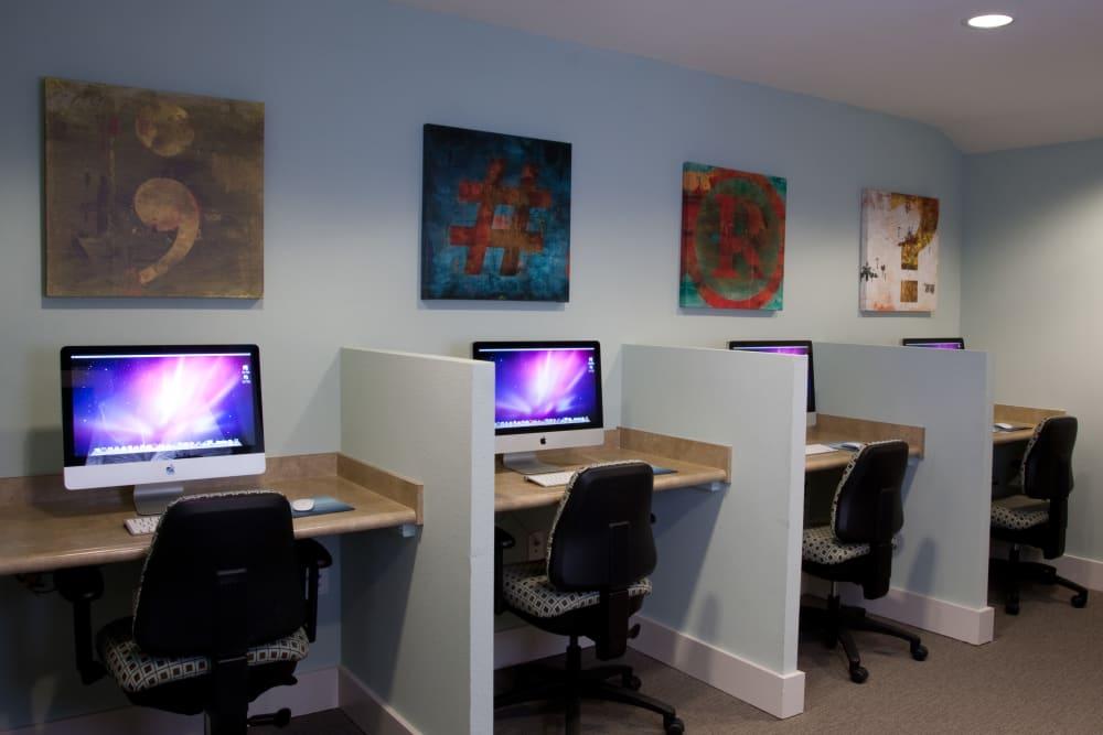 Computer Lab at Apartments in Orlando, Florida