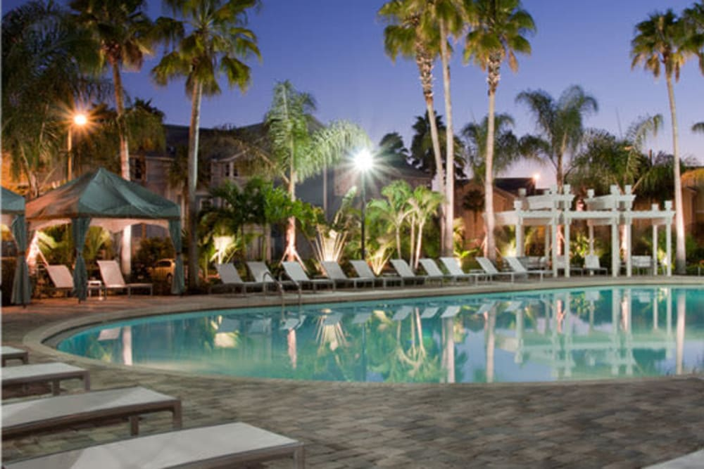 Abaco Key offers a Luxury Swimming Pool in the evening in Orlando, Florida