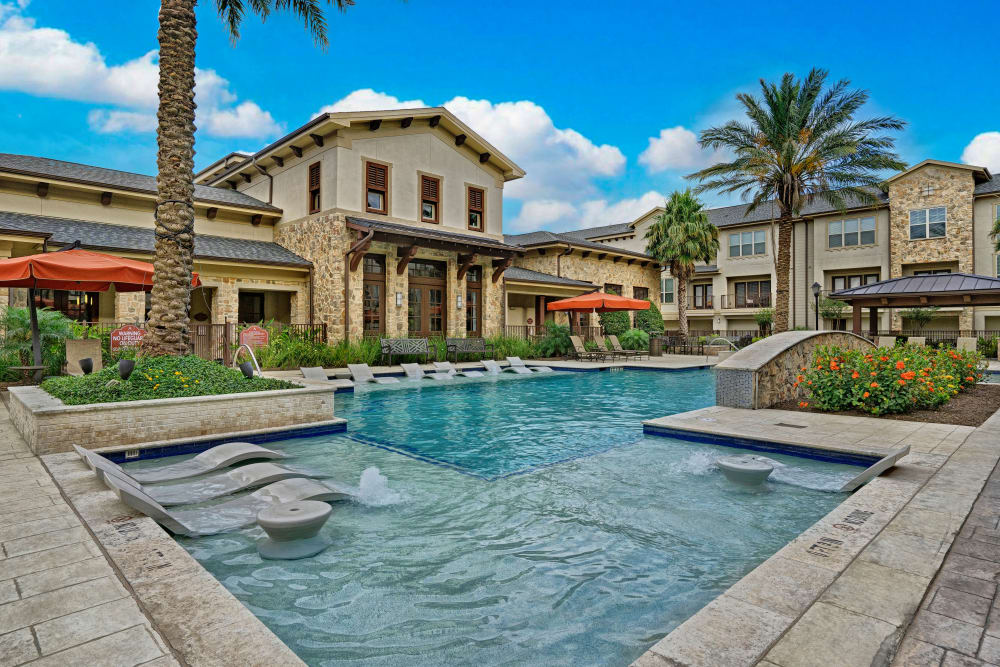 Luxurious swimming pool facilities at Arrabella in Houston, Texas