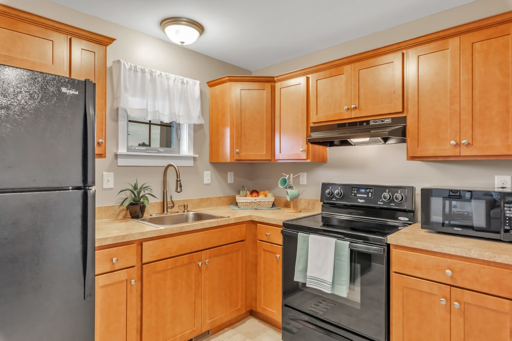 Modern kitchen at Landings of Oregon in Oregon, Ohio