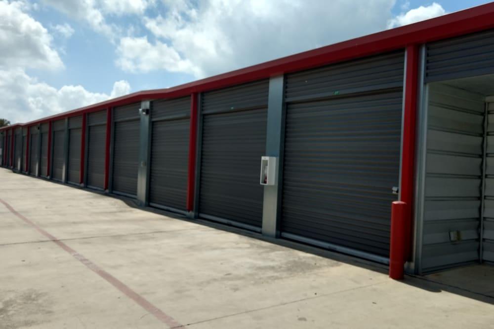 Lockaway Storage De Zavala Exterior Units