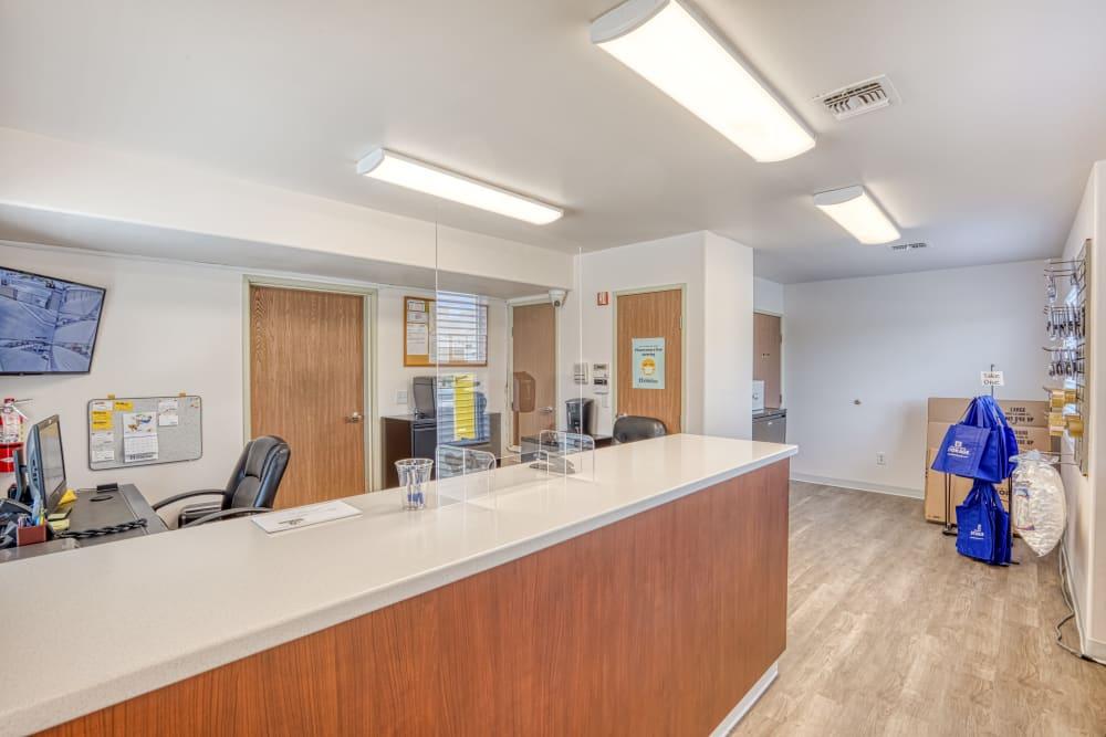 Leasing office a Golden State Storage - Horizon Ridge in Henderson, Nevada