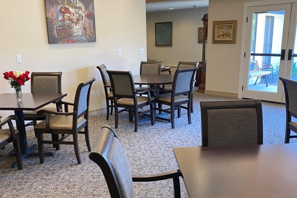 Dining room at Logan Creek Retirement Community