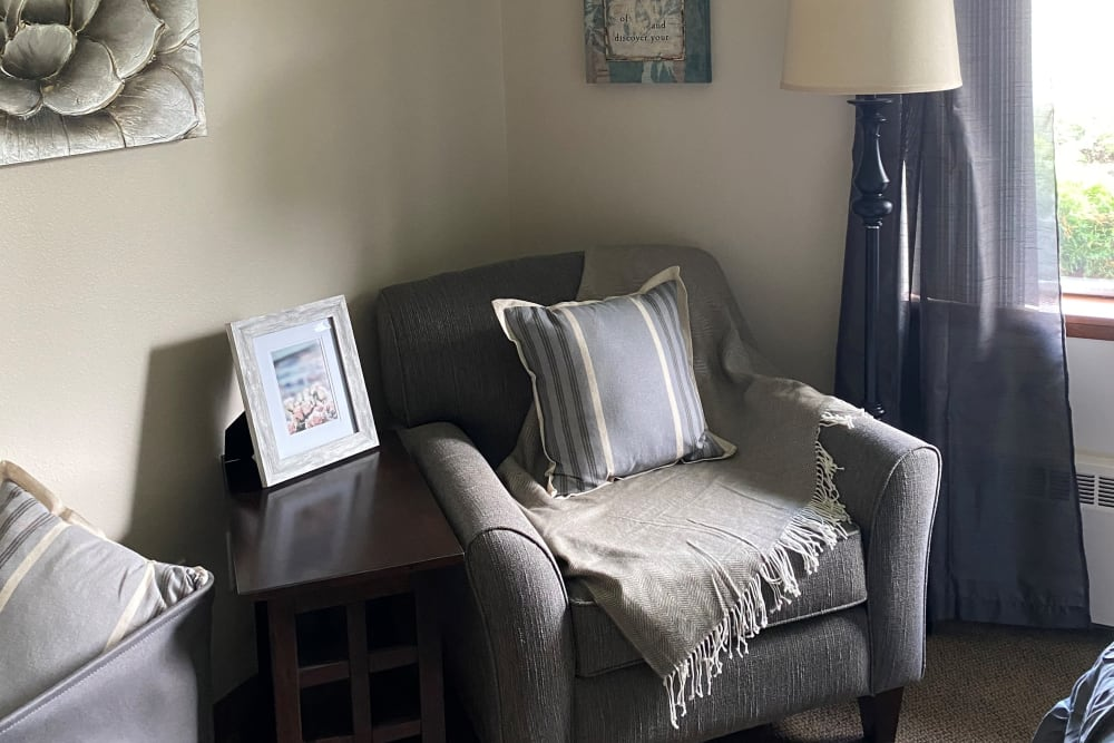 living room at Logan Creek Retirement Community