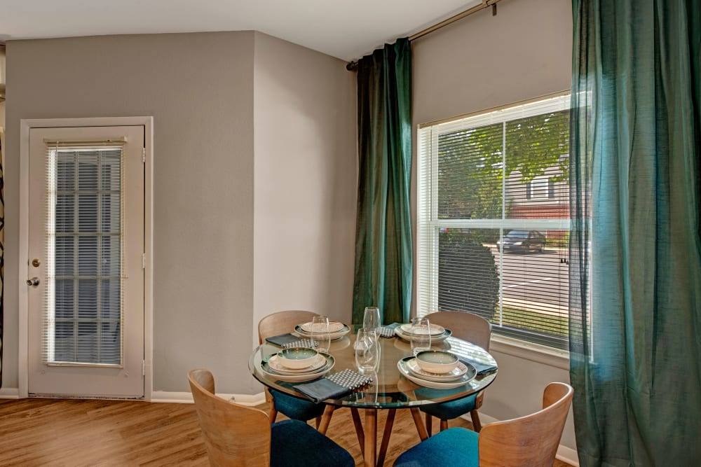 Dining nook at Woodway at Trinity Centre in Centreville, Virginia