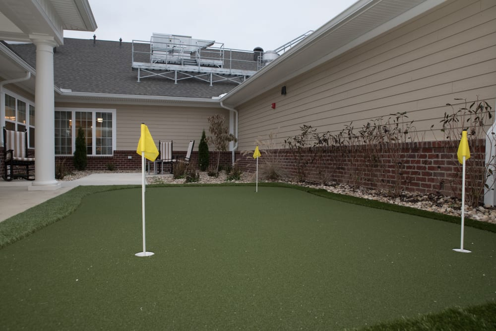 onsite mini putting green at Gateway Springs Health Campus in Hamilton, Ohio