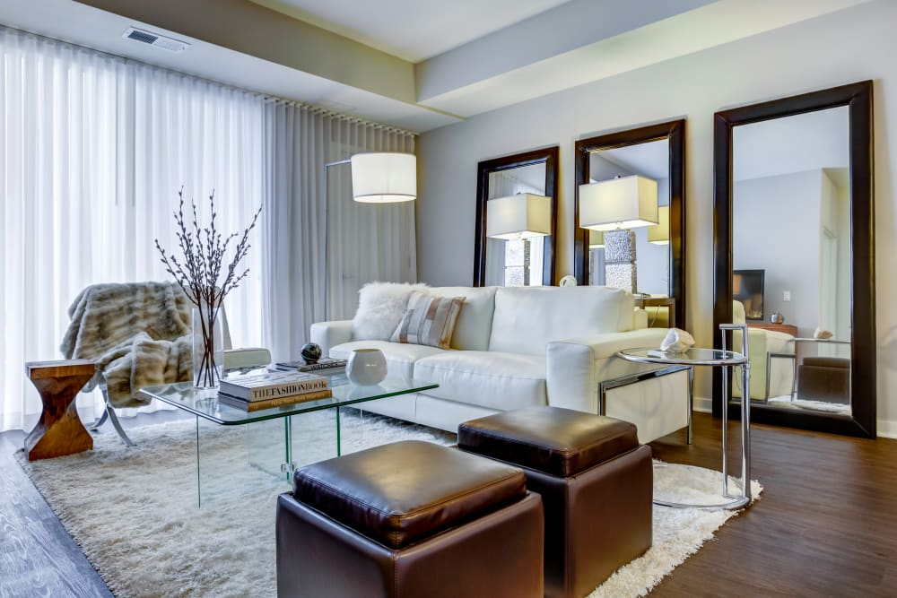 Living room at The Oaks Of Vernon Hills in Vernon Hills, IL