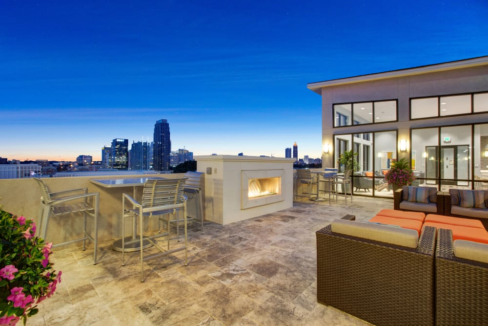 Outdoor courtyard with a lounge at Mark at West Midtown in Atlanta, GA