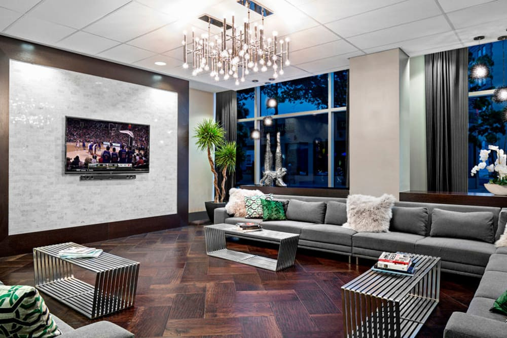Lobby with modern decor at Skyline New Rochelle in New Rochelle, New York