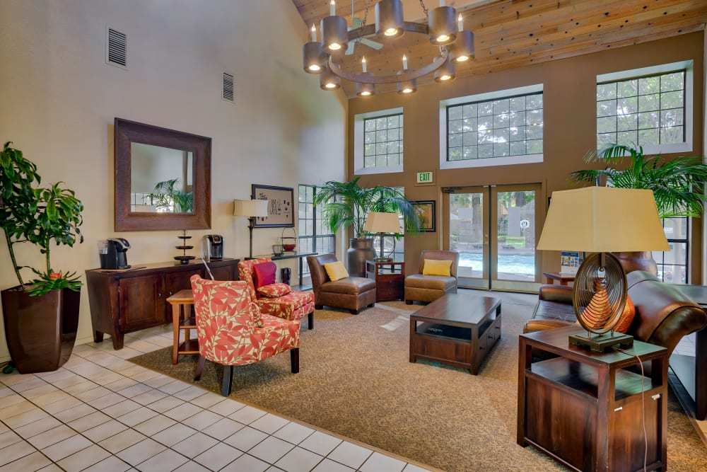 Community lobby at Shadow Creek Apartment Homes in Santa Rosa, California