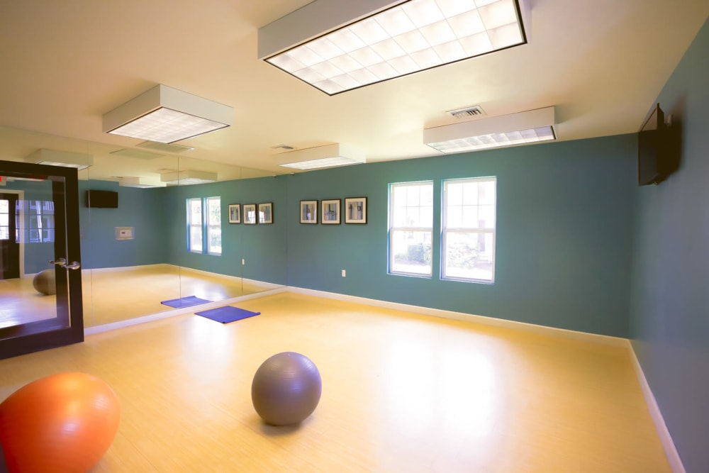 Yoga studio at Signal Pointe Apartment Homes in Winter Park, Florida