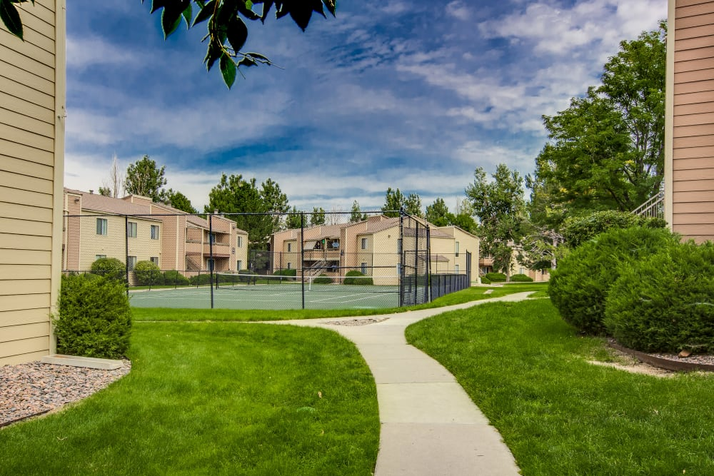 Well manicured exterior walkways at Santana Ridge in Denver, Colorado