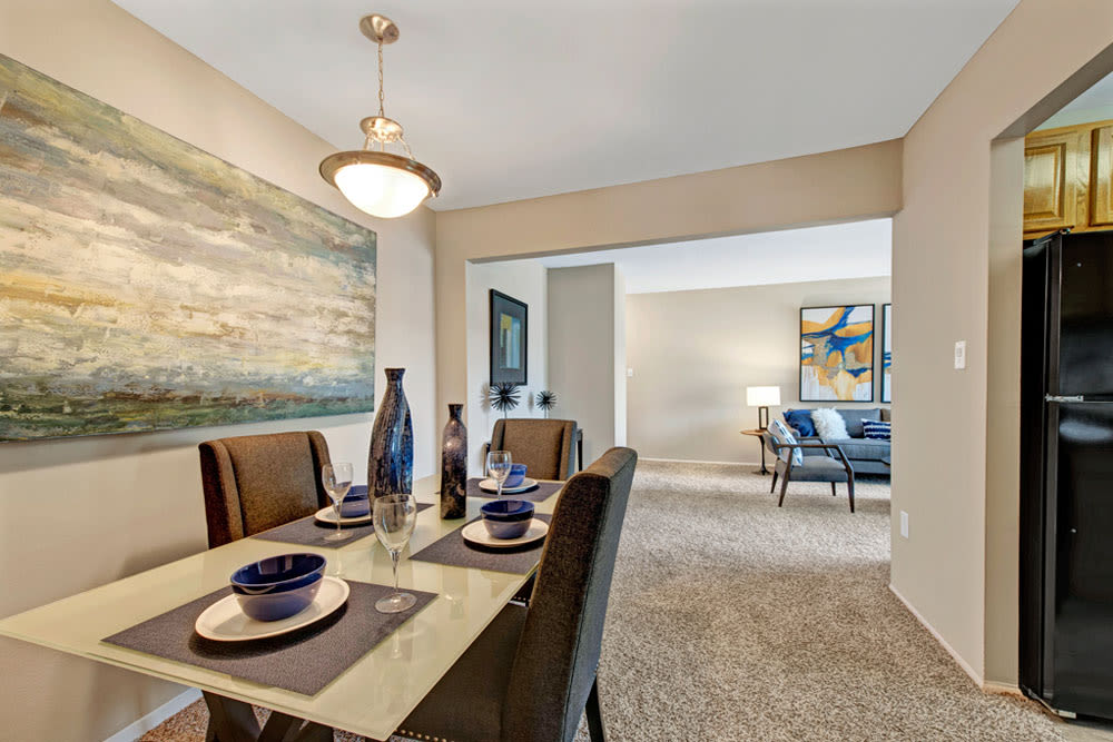 Enjoy our Unique Apartments Dining Room at Cinnamon Run at Peppertree Farm